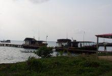 Inmersa en la extracción de langosta unidad empresarial de base de pesca Valentín Valdés de Cortés