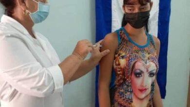 Reciben primera dosis de Abdala estudiantes de Sandino